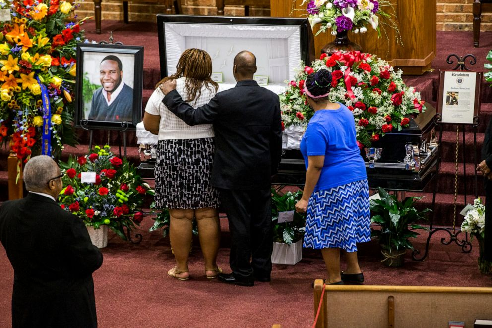 PHOTO: Mourners attend a public viewing before the funeral of Botham Shem Jean at the Greenville Avenue Church of Christ in Richardson, Texas, Sept. 13, 2018.