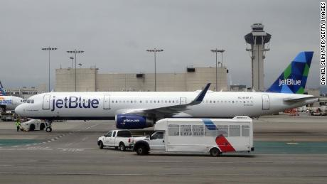 JetBlue plans to bring cheap flights to London